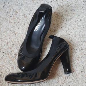 CHANEL Black Patent Stretch Heels Sz.39